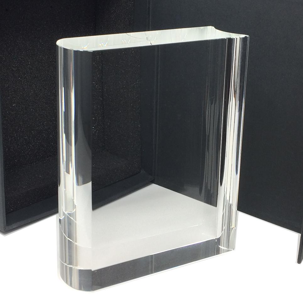 trophée en verre en forme de livre pour trophée entreprise