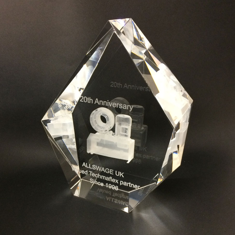 « Rock crystal » personalized recognition award with 3D engraving