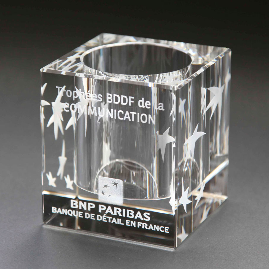Executive pen holder with engraving