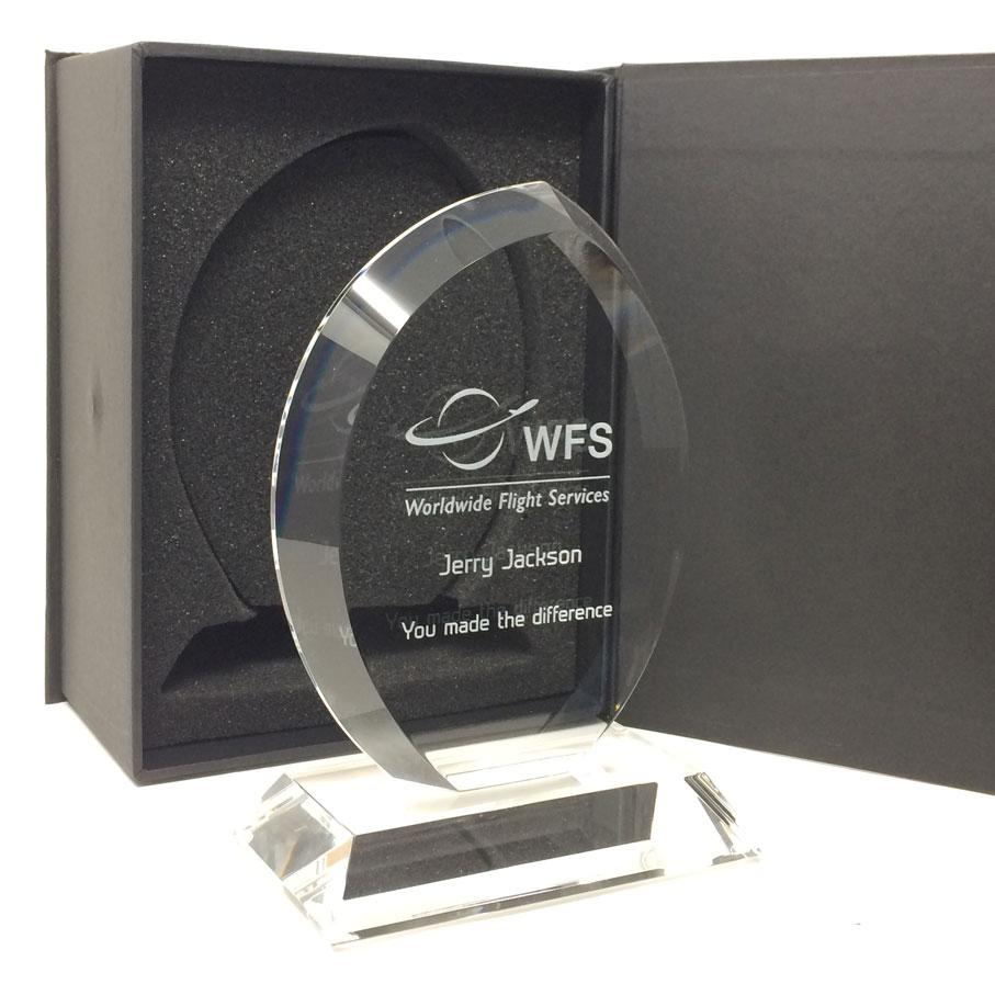 Oval shaped clear glass award_19cm